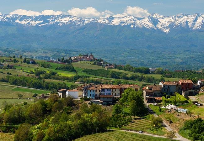 Terra di Mezzo Viaggi - Destinazione -Langhe Tour Borghi Italia